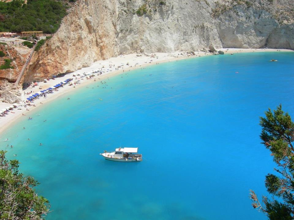 Porto Katsiki boat - Boat in the blue water of Porto Katsiki beach in Lefkada