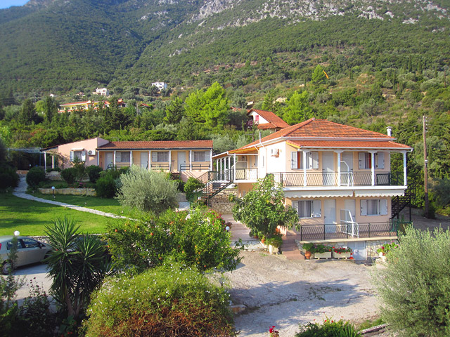 MATINA STUDIOS & APARTMENTS  ACCOMMODATION IN  Nikiana LEFKADA IONIAN ISLANDS