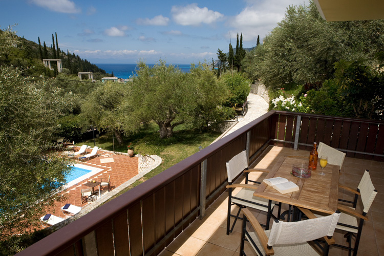 EVRIDIKIS VILLAS  ACCOMMODATION IN  Agios Nikitas LEFKADA IONIAN ISLANDS