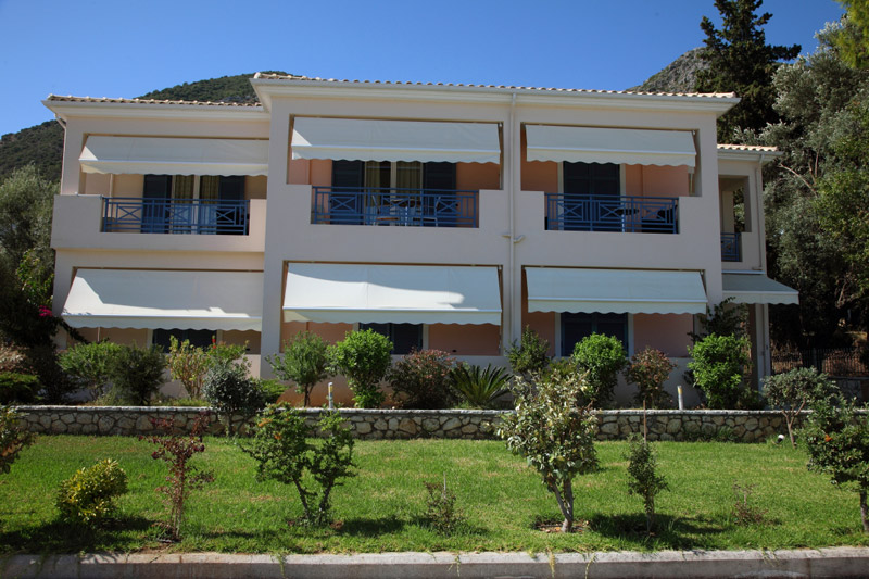 THALASSA APARTMENTS IN  Nydri / Perigiali LEFKADA IONIAN ISLANDS
