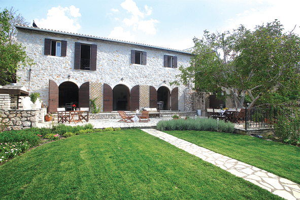 MELI TRADITIONAL HOUSE  ACCOMMODATION IN  Dragano LEFKADA IONIAN ISLANDS