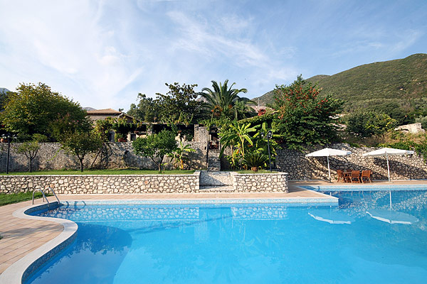 VILLAGIO MAGNOLIA  ACCOMMODATION IN  Syvros